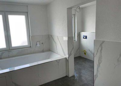 Großes Badezimmer nach Kernsanierung